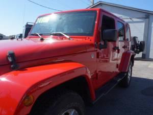 2015 Jeep Wrangler Unlimited Sahara - Image 13