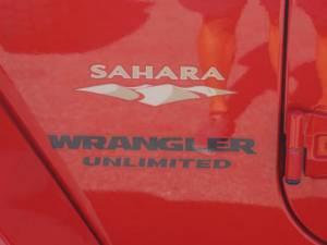 2015 Jeep Wrangler Unlimited Sahara - Image 14
