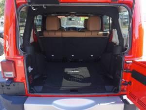 2015 Jeep Wrangler Unlimited Sahara - Image 32